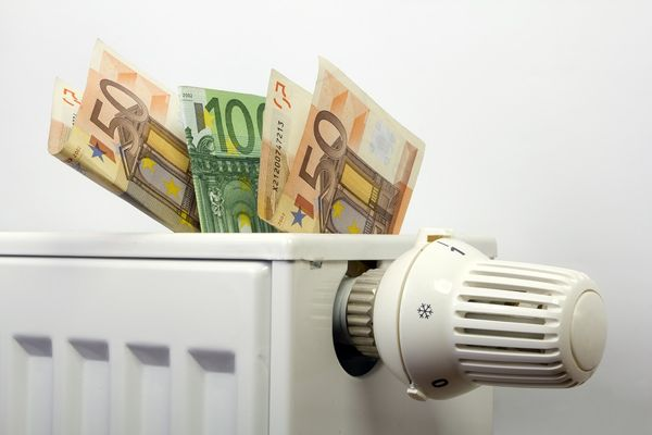 Surprisingly Easy Ways To Save Money On Heating This Winter